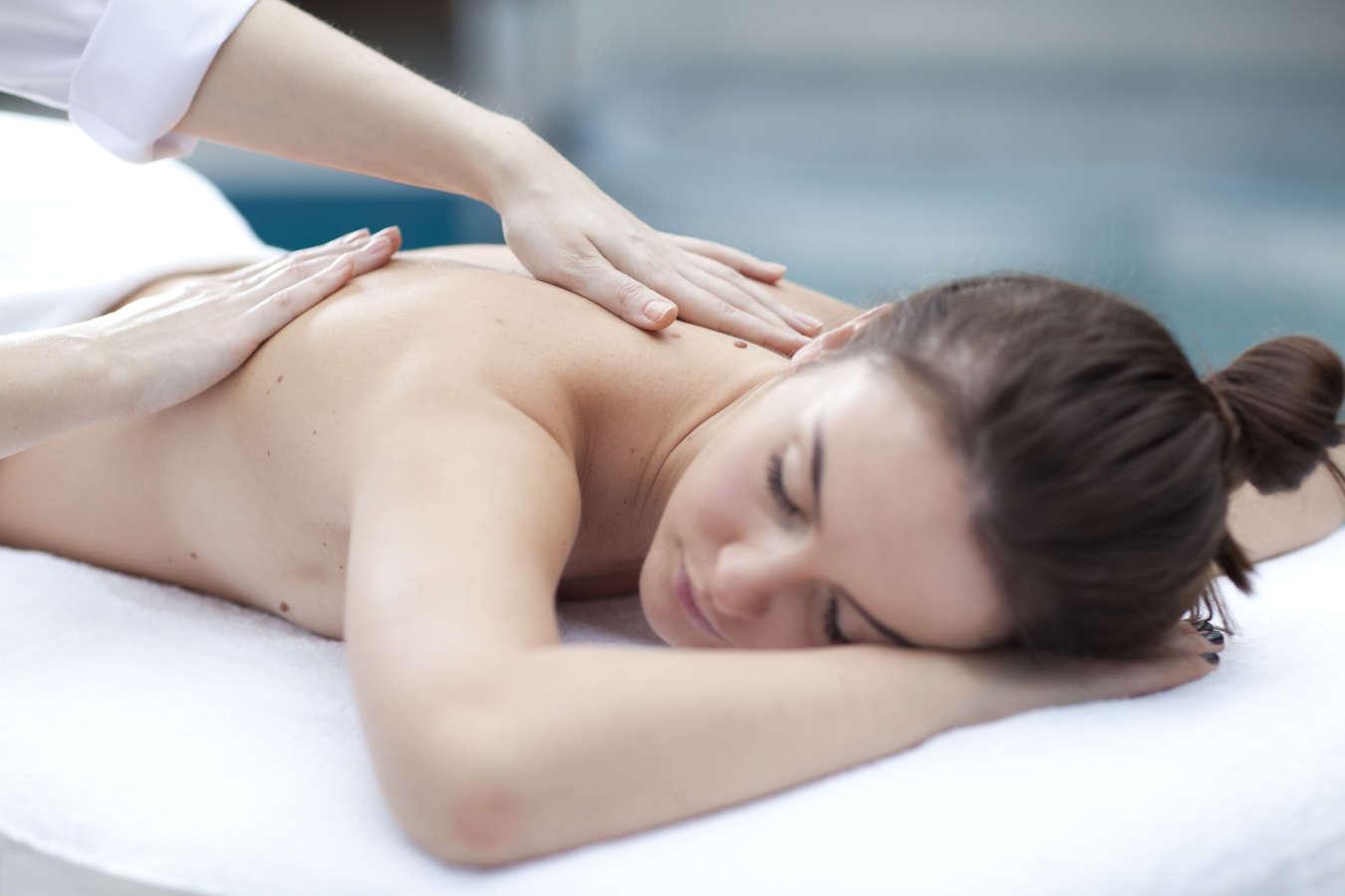 HAKIM stuburo masažas